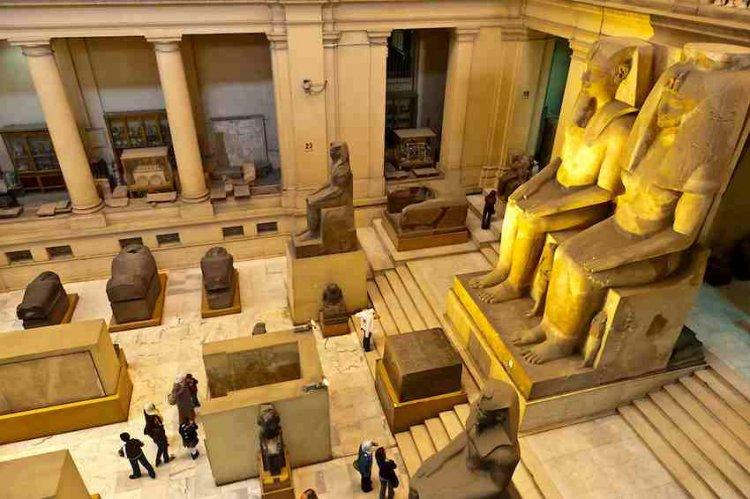 السياحة في القاهرة وأجمل أماكن سياحية بها سائح