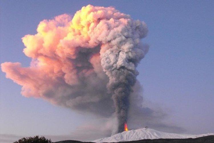 بركان جبل إتنا، إيطاليا