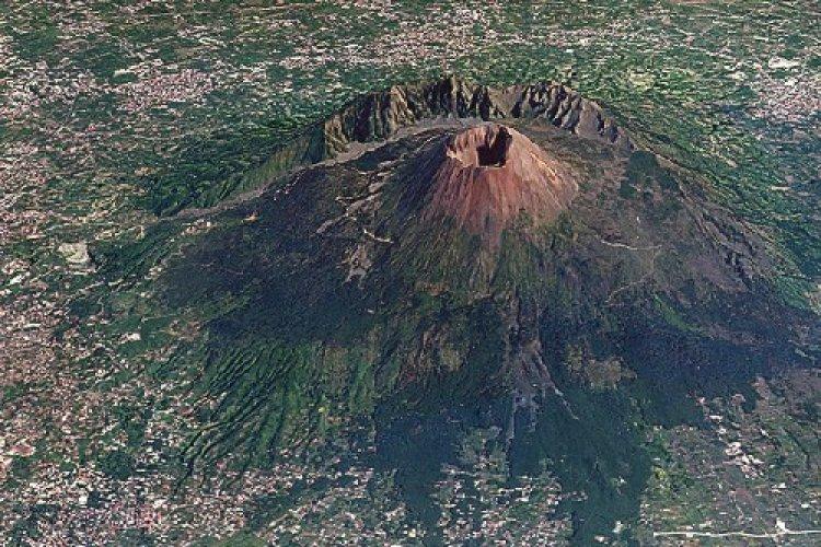بركان جبل فيزوف، إيطاليا