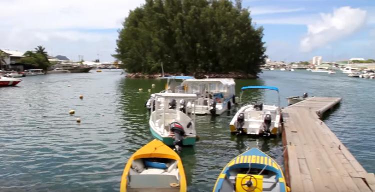 الأنشطة المائية في جزيرة ماهي