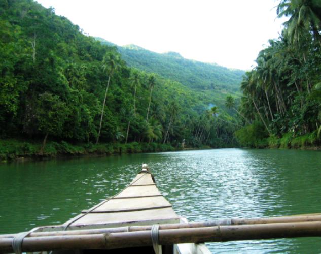 ركوب قارب في الفلبين