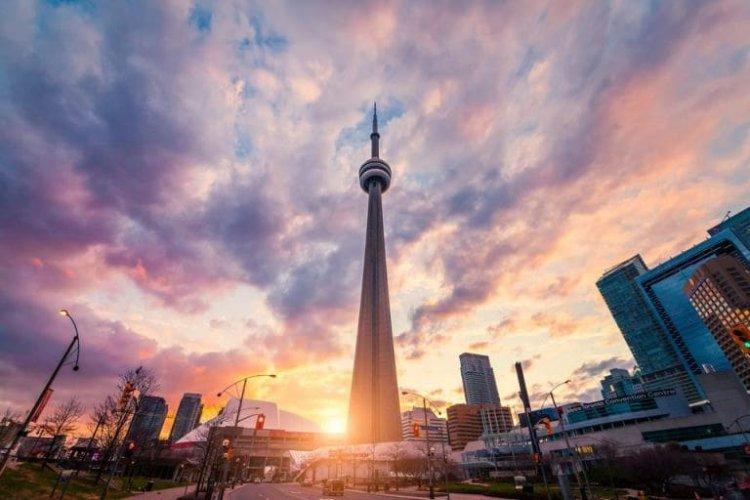 يرج سي ان في تورنتو ثالث اطول برج بالعالم