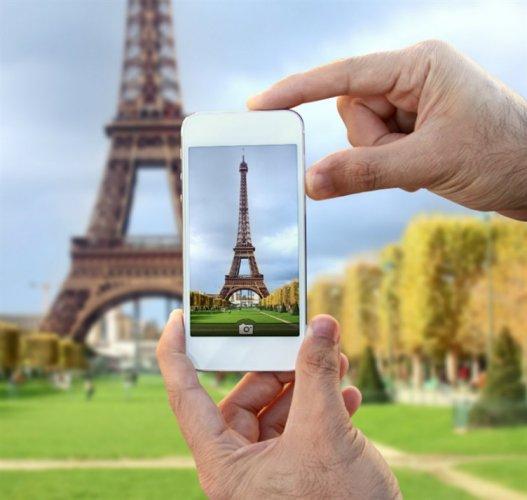 تطبيقات السفر تهدد وكالات السياحة