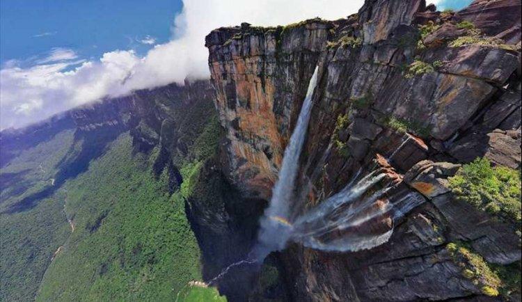 شلالات جبل رورايما