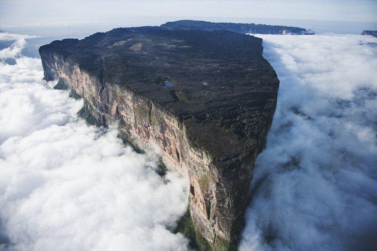 جبل روروايما في فنزويلا