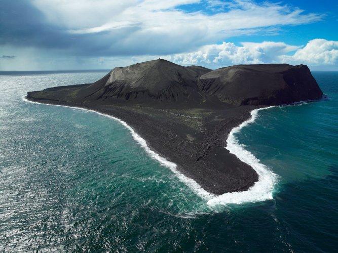 جزيرة سورتسي البركانية