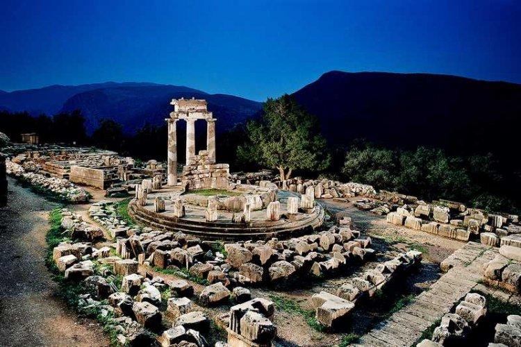 دلفي والحضارة اليونانية العريقة