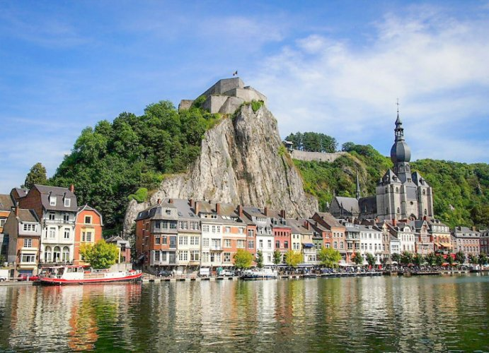 دينانت في بلجيكا