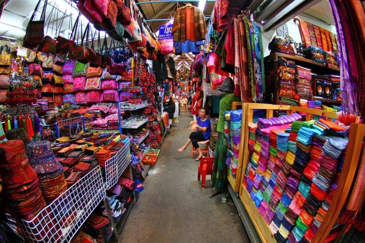 سوق الأحد في بانكوك