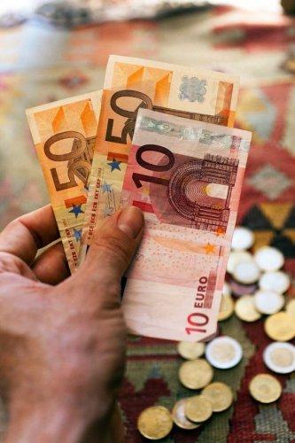 تغير العملات من اهم الامور قبل السفر
