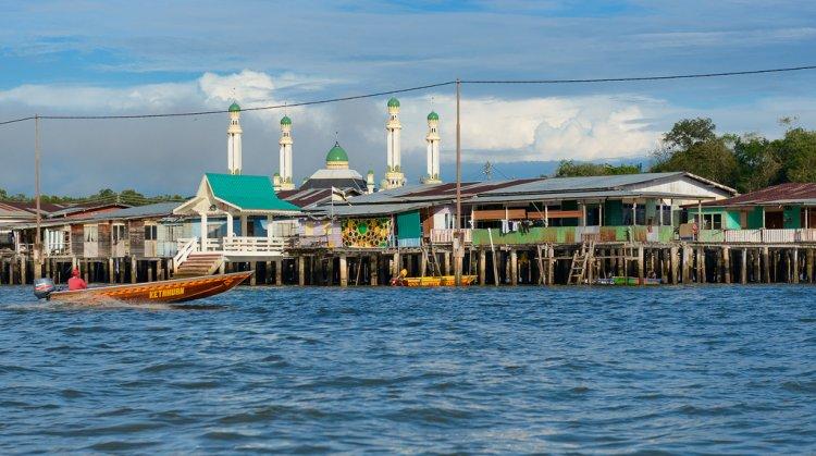 كامبونج آير (القرية المائية)