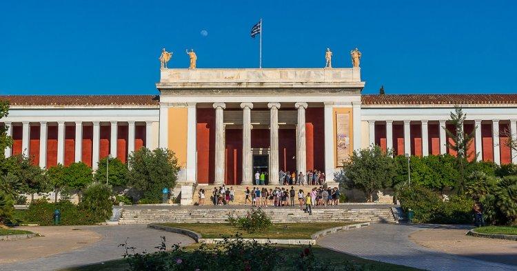 متحف اثينا الوطني الأثري