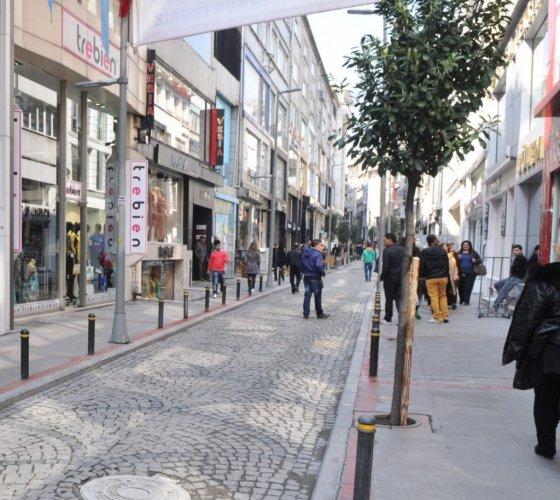 المحلات في شارع عثمان بك