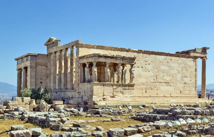 معبد أكروبوليس في اليونان