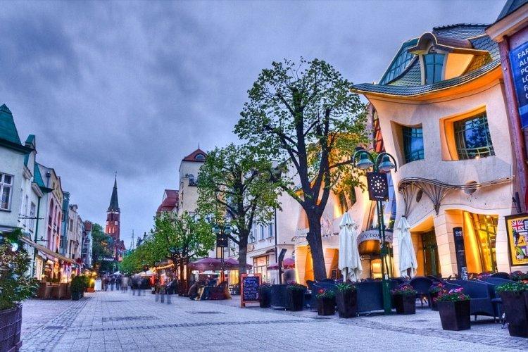 المنزل الاعوج فى بولندا