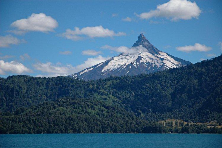 منطقة البحيرة في دولة تشيلي