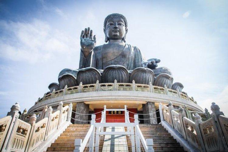 تمثال بوذا الكبير في هونغ كونغ