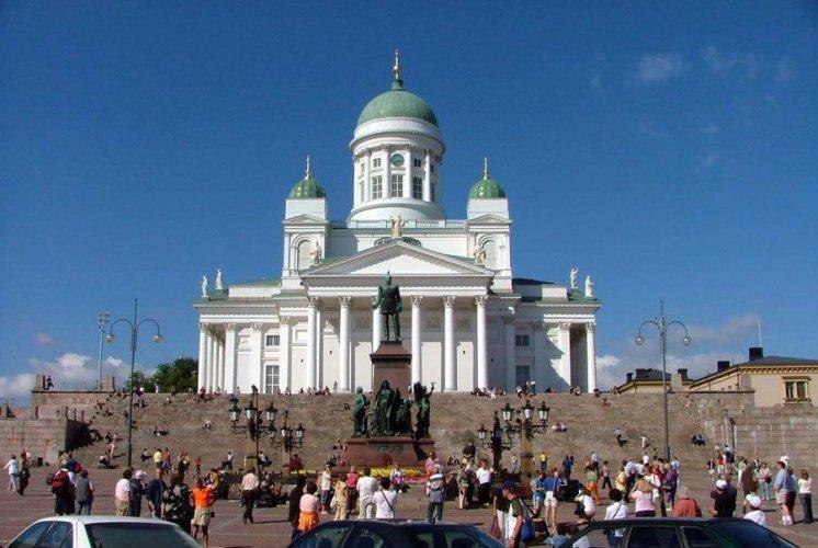 ساحة مجلس الشيوخ بفنلندا
