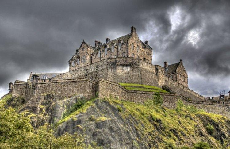 قلعة أدنبرة