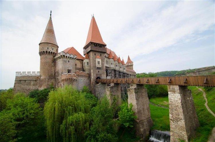 قلعة فاجدا هونياد