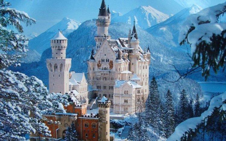 قلعة نويشفانشتاين الألمانية