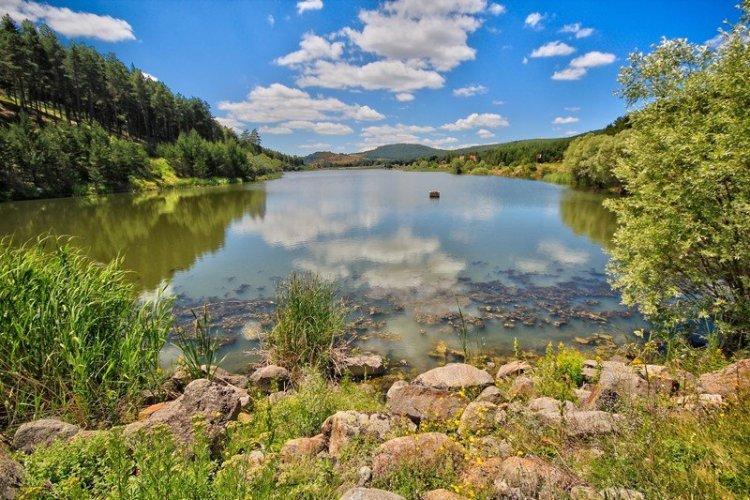 البحيرات في قرية كزلجي حمام