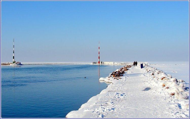 بحيرة بالاتون في الشتاء في هنغاريا