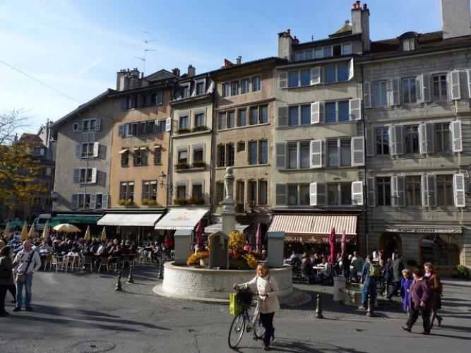 ساحة بورغ دي فور