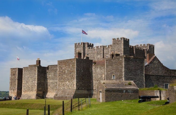 قلعة دوفر
