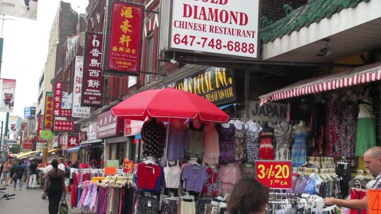 الحي الصيني في تورونتو كندا
