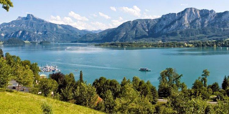 بحيرة أتيرسي في النمسا
