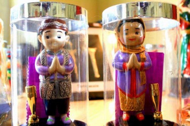 بعض مقتنيات متحف الدمي في جاكرتا