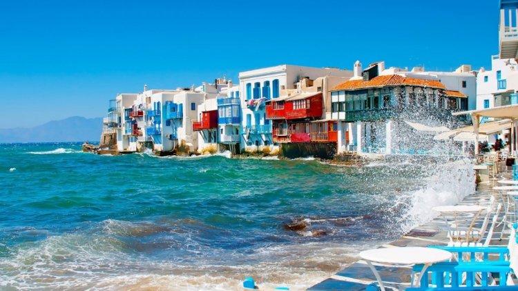جزيرة ميكونوس في اليونان