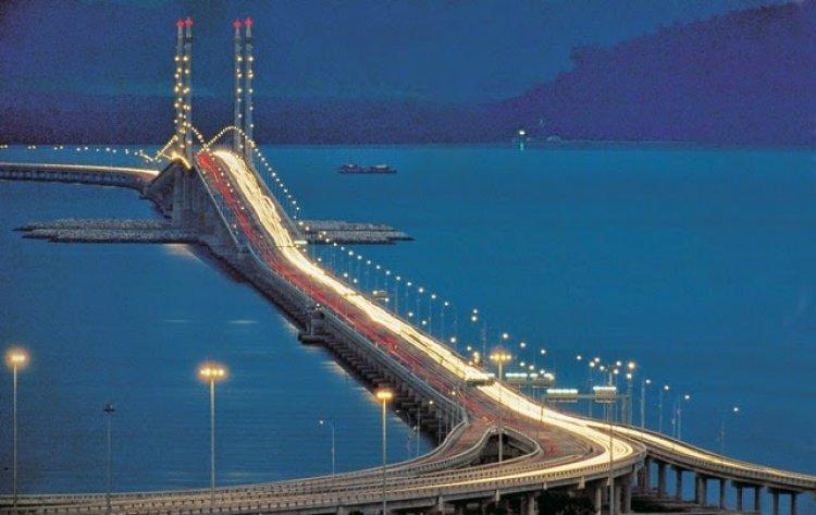 جسر بيانج  في جزيرة بينانج ماليزيا
