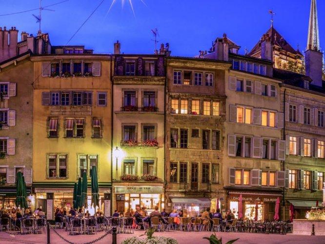 المدينة القديمة في جنيف سويسرا
