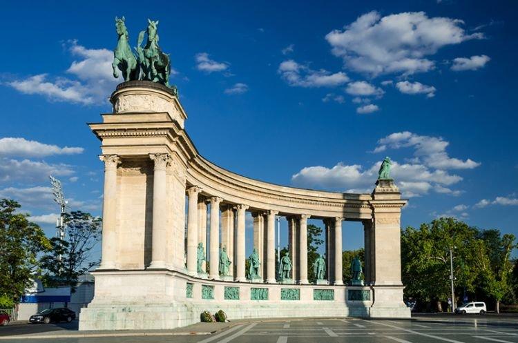 ساحة الأبطال في العاصمة المجرية بودابست