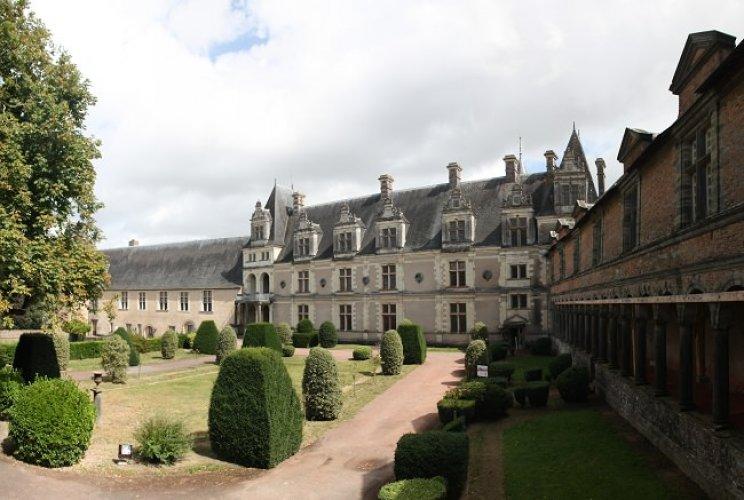 قصر شاتو دي شاتوبريان