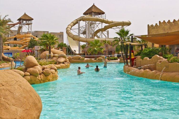مدينة دلمون المائية في البحرين