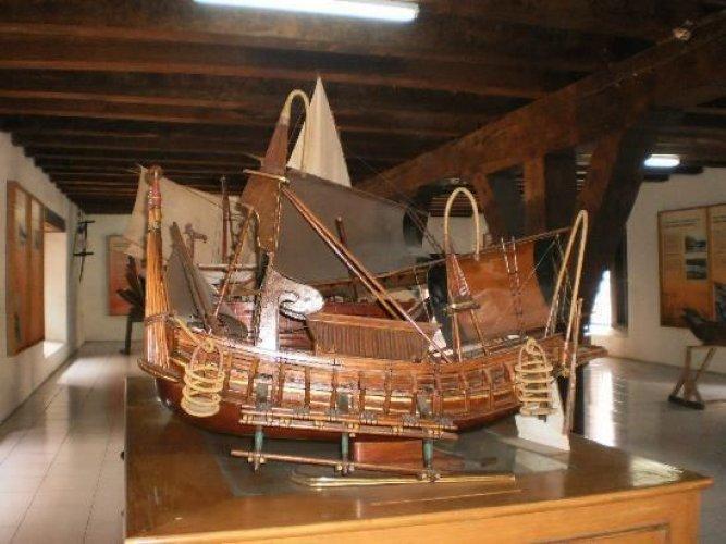 مقتنيات المتحف البحري