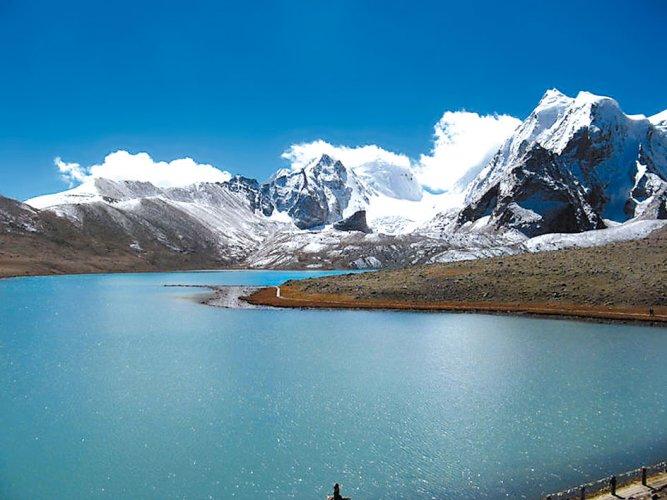 اطلالة جبال الهيمالايا الخلابة