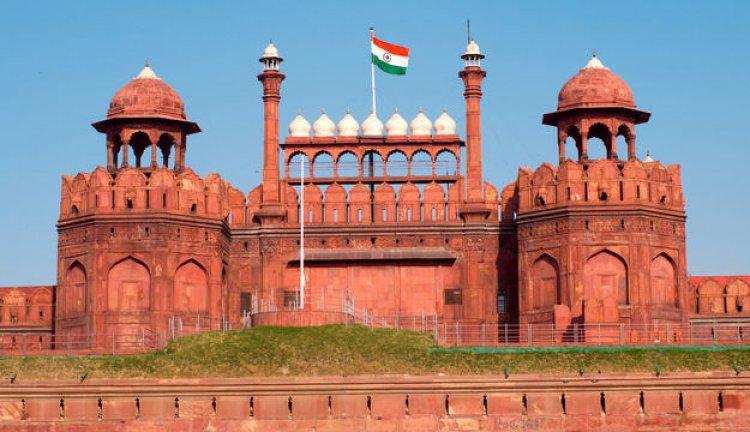 القلعة الحمراء في نيودلهي بالهند