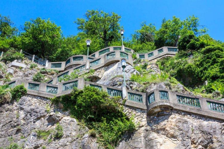 سلالم تلة شوليسبيرغ في غراتس النمسا