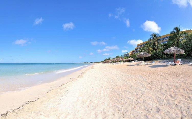 شاطئ أنكون في ترينيداد كوبا