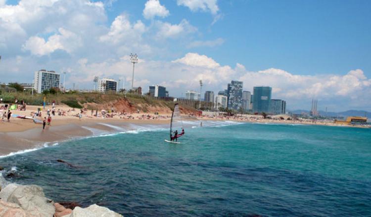 أحد شواطئ برشلونة