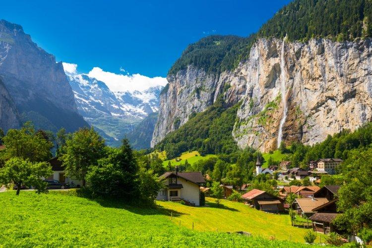 أجمل قرى ريفية في سويسرا   سائح