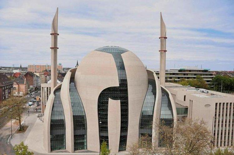مسجد كولونيا المركزي في كولون ألمانيا