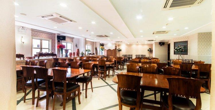مطعم حجة ميمونة في سنغافورة