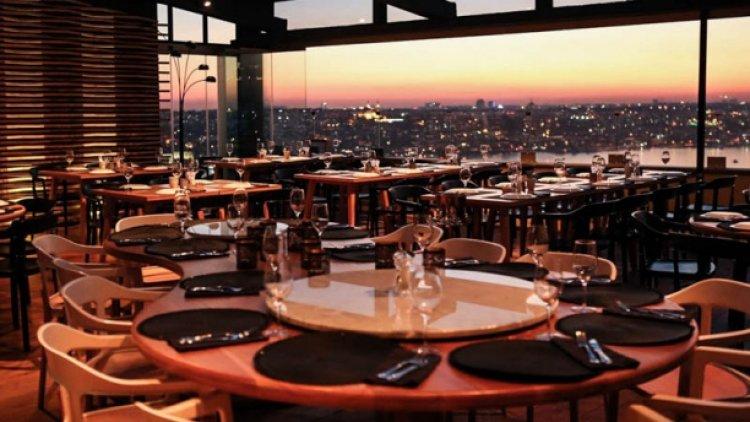 مطعم دبل ميزي في اسطنبول