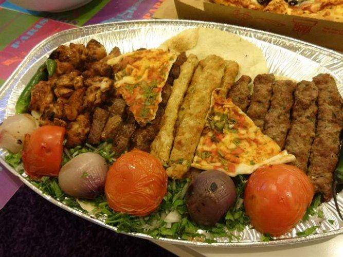 أحد أطباق مطعم الريف اللبناني في الرياض