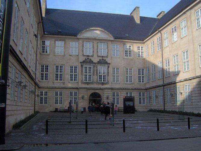 المتحف الوطني الدنماركي في كوبنهاجن الدنمارك